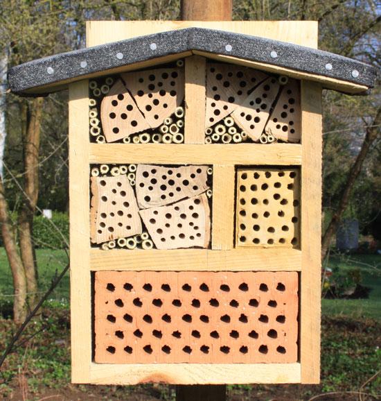 wildbienen untaugliche nisthilfen. Black Bedroom Furniture Sets. Home Design Ideas